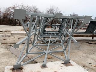 «Жилстрой-2» приступил к монтажу 30-метровой копии Эйфелевой башни в ТРЦ «Французский бульвар»