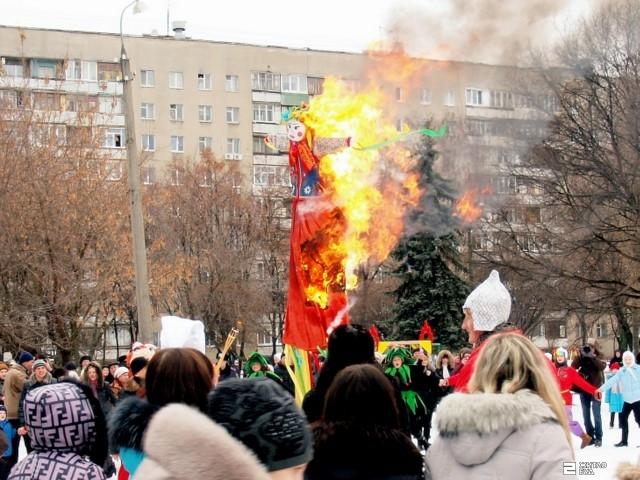В Дзержинском районе отпраздновали проводы зимы
