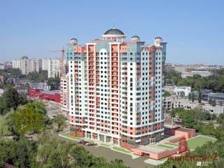Завершается возведение 18-го этажа ЖК «Дом с ротондами» по ул.Сухумской