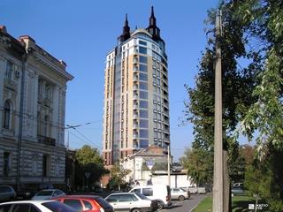 Выполняются фасадные работы в ЖК «Заречный» по пер. Карбышева