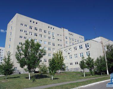 Городская поликлиника №10, ул. Метростроителей, 3, 1995 г.