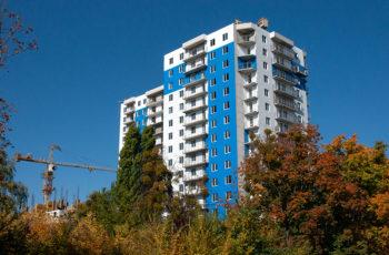 """В третьей секции ЖК """"Дом на Зерновой"""" устанавливают перекрытие над десятым этажом"""