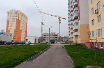 Во второй секции ЖК «МЕРИДИАН» устанавливают перекрытие над четвертым этажом
