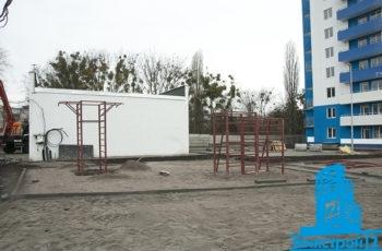 """В первой секции ЖК """"Дом на Зерновой"""" завершается монтаж лифтов"""