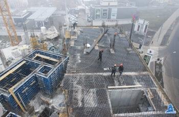 """Во второй секции МФК """"Манхэттен"""" устанавливают  перекрытие над четвертым этажом"""