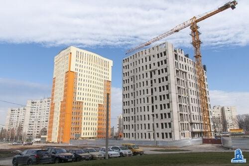 """Во второй секции ЖК """"Меридиан"""" забетонировано перекрытие над десятым этажом"""