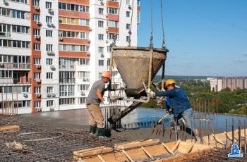 """В седьмой секции ЖК """"Павловский квартал"""" установлены вертикальные конструкции пятого этажа"""